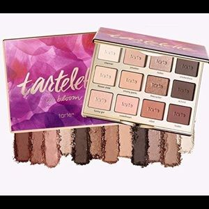 NWT New Tarte tartelette In bloom New in Box